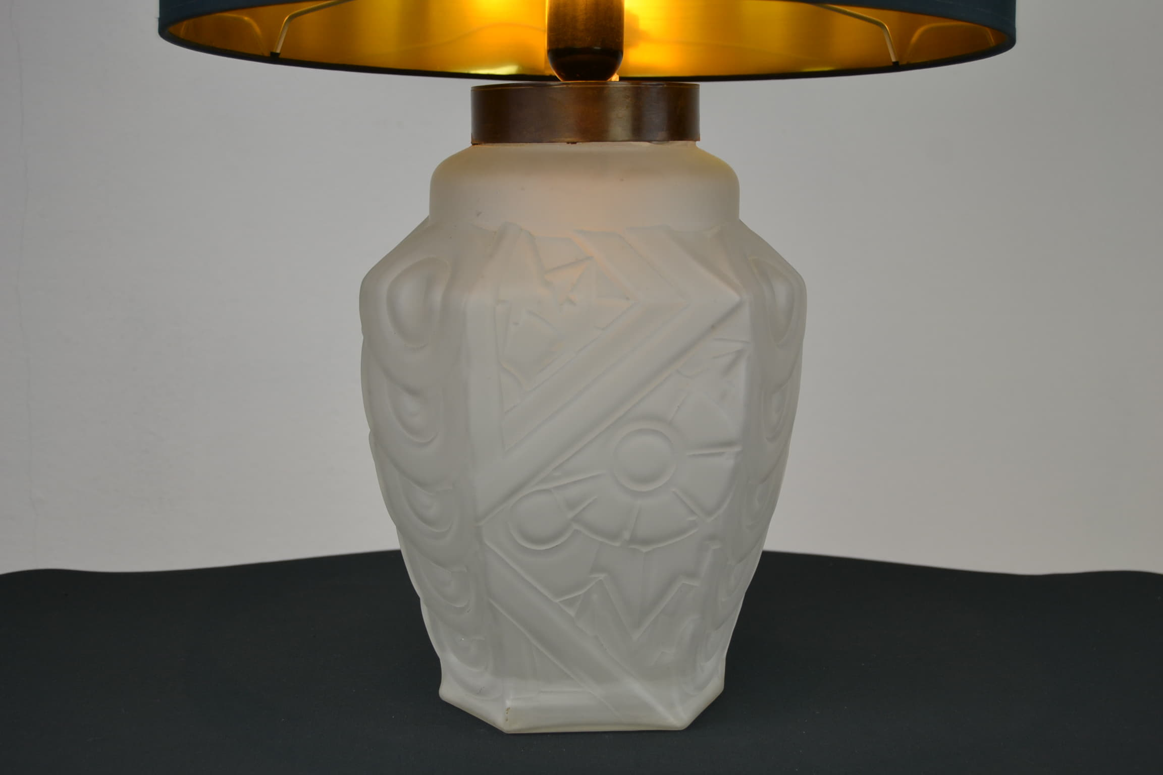 Art Deco French Table Lamp Geometric Frosted Pressed Glass Retro Station